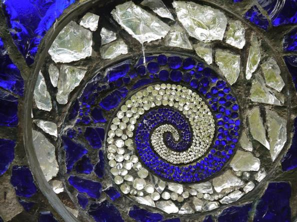 India blue spiral
